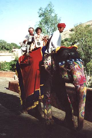 India Oct. 2000 Elefant ride to the Amber Fort